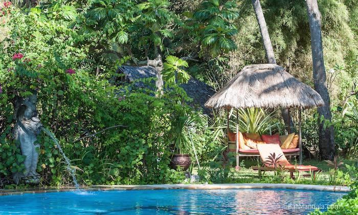 Bild Pool und Bale im Bali Mandala