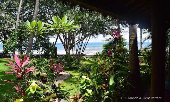 Blick aus dem Strandhaus im Blue Mandala