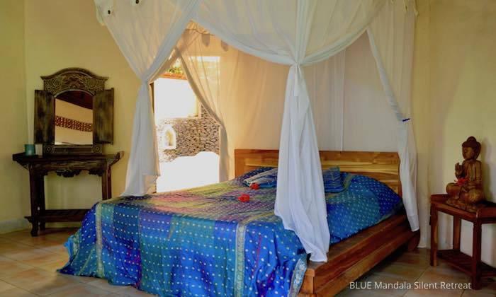 Schlafzimmer Gartenhaus Blue Mandala