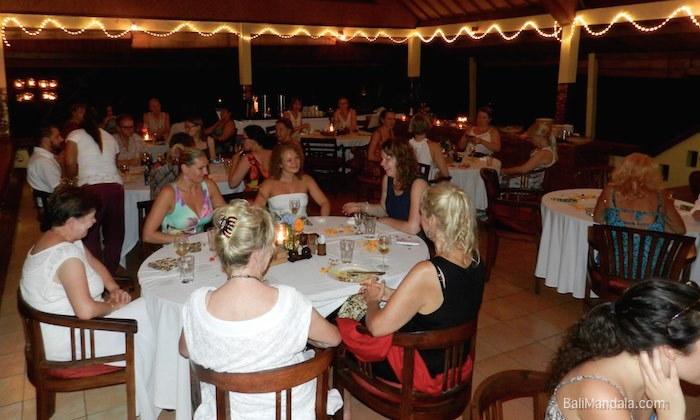 Bild Restaurant Bali Mandala nachts