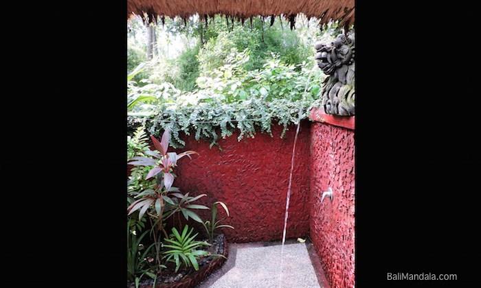 Rotes Bad Bungalow Bali Mandala