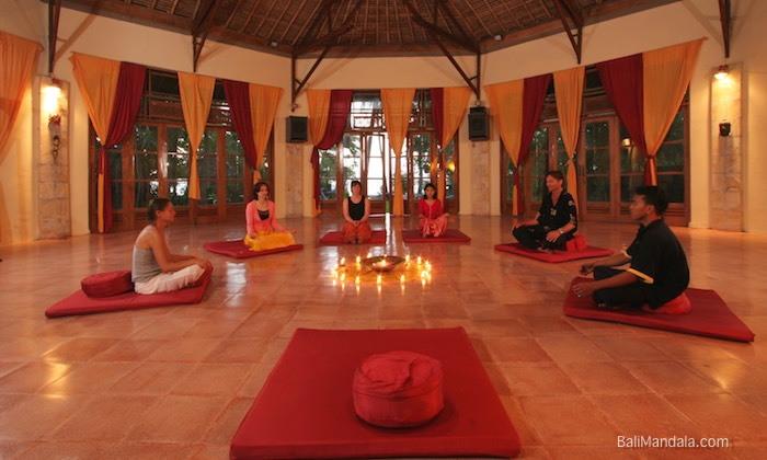 Bild Meditation im Bali Mandala
