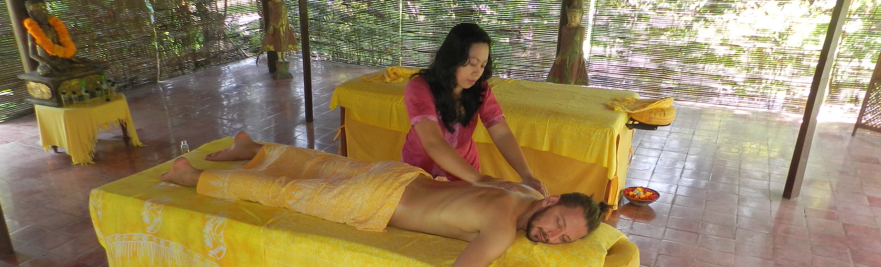 Bild Massage im Spa Pavillion Bali Mandala