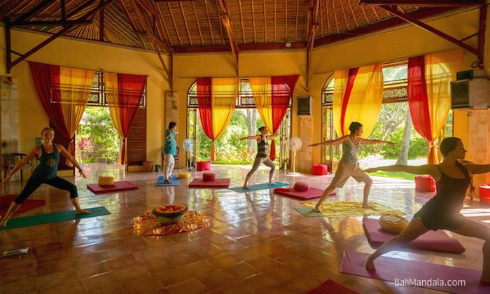 Bild Yoga im Bali Mandala