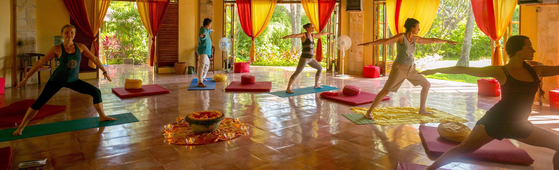Yoga im Bali Mandala