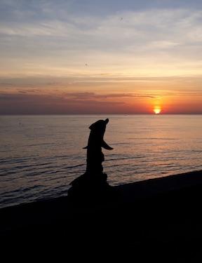 Delfin Sundowner Bali Mandala News
