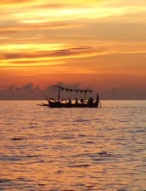 Bali Mandala News - Fischer vor dem Bali Mandala